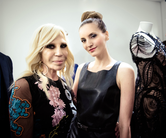 Donatella-Versace-Kelly-England-Prehn