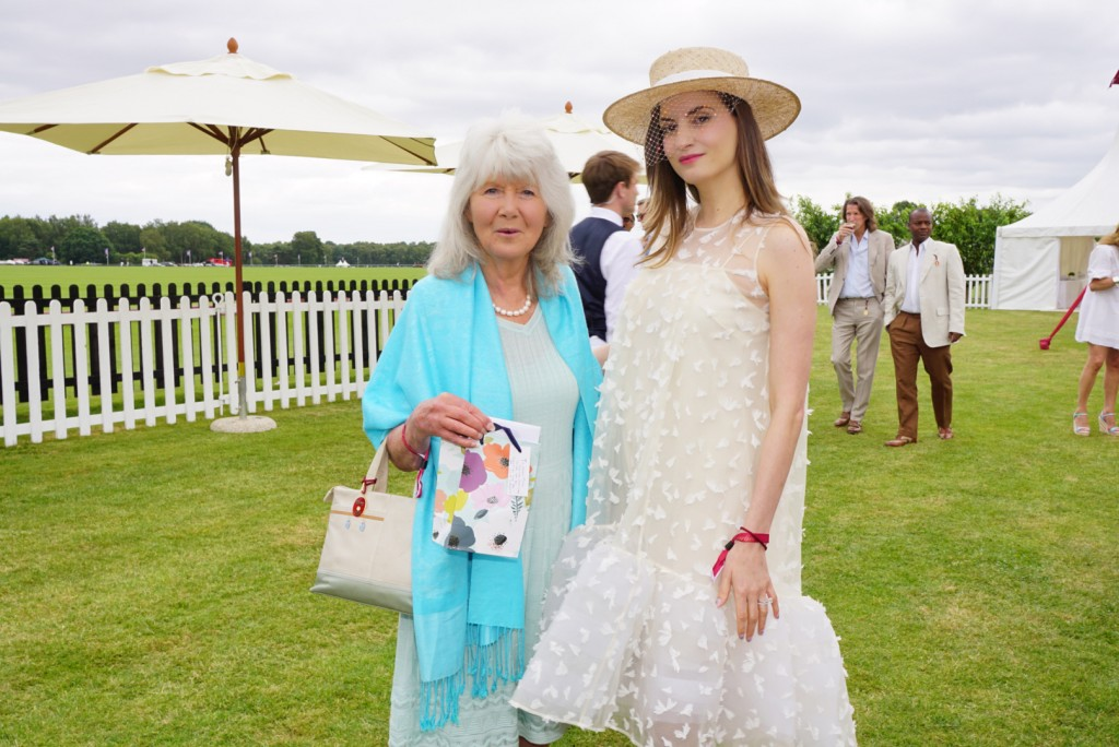 kelly-england-prehn-laurent-feniou-donna-air-lily-collins-cartier-queens-cup (7)
